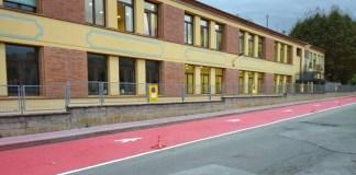 privat:-l'ajuntament-habilita-espai-addicional-per-vianants-a-l'entrada-de-l'escola-gaziel