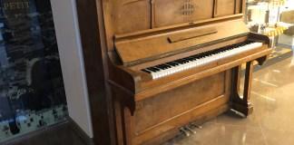 privat:-el-piano-d'en-joaquim-ferrer-al-centre-de-visitants-de-verges