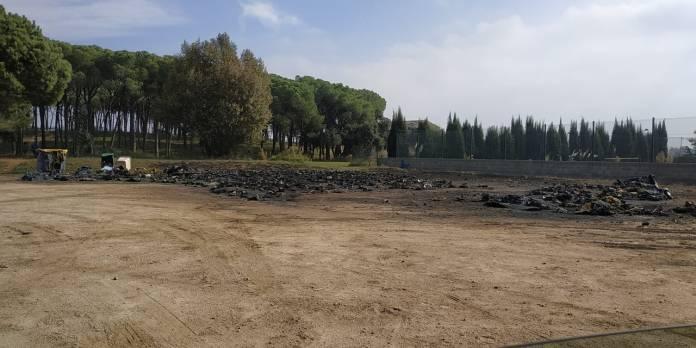 Així han quedat els contenidors de Calonge després de l'incendi del dissabte a la nit | Imatge de Sebastien Bodart