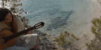 rigoberta-bandini-posa-musica-al-nou-anunci-d'estrella-damm