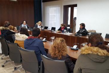 El Ayuntamiento exige a Educación una solución al cierre del comedor escolar del 'Concepción Arenal' y acompaña a la Delegación a las familias afectadas
