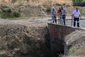 El Ayuntamiento de Cartaya limpia y acondiciona el tramo urbano del Arroyo del Pilar