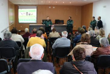La Guardia Civil forma a los mayores cartayeros en materia de seguridad