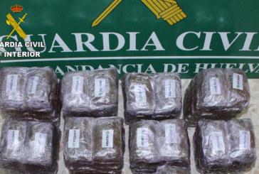 Cartaya | La Guardia Civil localiza 14  kg. de hachís en el maletero de un vehículo