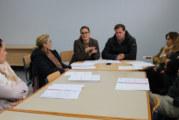 Ayuntamiento y comerciantes de El Rompido analizan las necesidades del sector