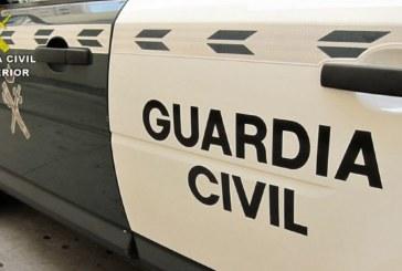 Punta Umbría | La Guardia Civil sorprende a un varón robando en el interior de un vehículo en la localidad