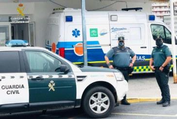 Punta Umbría   La Guardia Civil auxilia a una mujer de 65 años en su propio domicilio tras hallarla con una grave herida en el tobillo