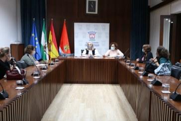El Ayuntamiento realizará las obras para el traslado de Educación de Adultos a la Escuela de Empresas