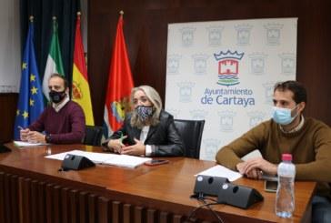 El Ayuntamiento de Cartaya y el sector agrícola abordan la seguridad frente al COVID-19 en la próxima campaña