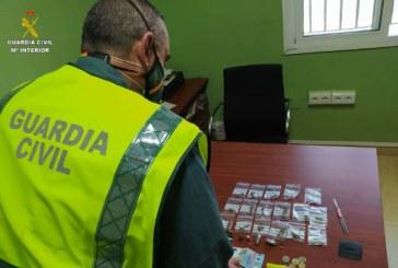 San Juan del Puerto | La Guardia Civil detiene a un varón que portaba droga en la localidad