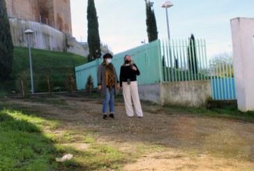 El Ayuntamiento aprueba la adjudicación para el adecentamiento y embellecimiento de la calle trasera al parque El Castillo
