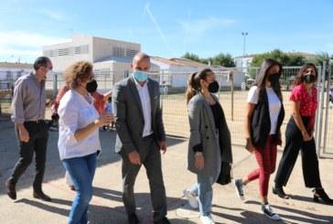 El Ayuntamiento y la dirección del CEIP Juan Ramón Jiménez, trasladan a la Delegación los daños ocasionados por las inundaciones