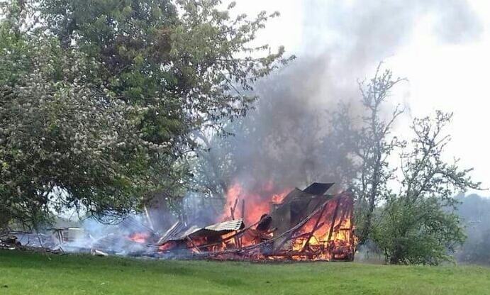 Dalcahue: incendio consumió una vivienda en sector rural de la comuna.