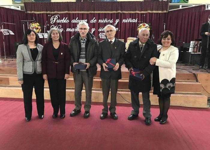 Castro: Liceo Galvarino Riveros celebró 90 años.