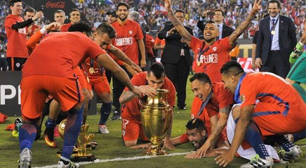 Los trofeos más importantes del fútbol chileno llegan a Chiloé