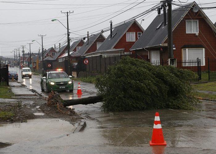 Chiloé: diversas emergencia se produjeron producto de frente de mal tiempo.