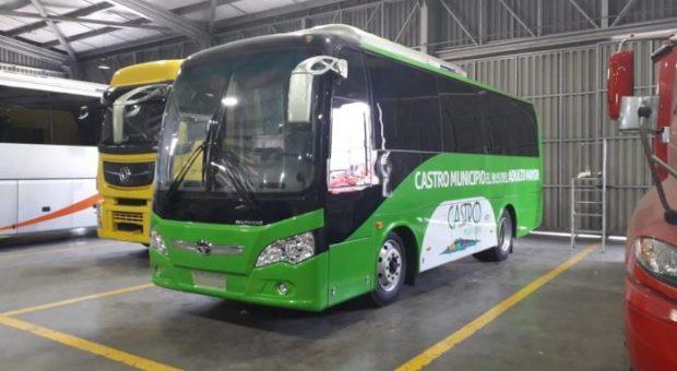 Castro: se aprueba reglamento de uso para bus del adulto mayor.