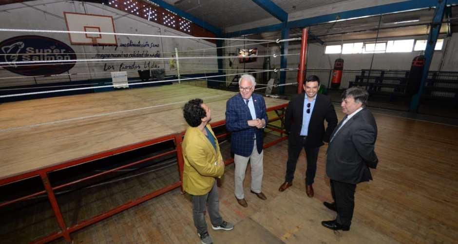 Mindep invertirá recursos para mejorar el gimnasio fiscal de Quellón