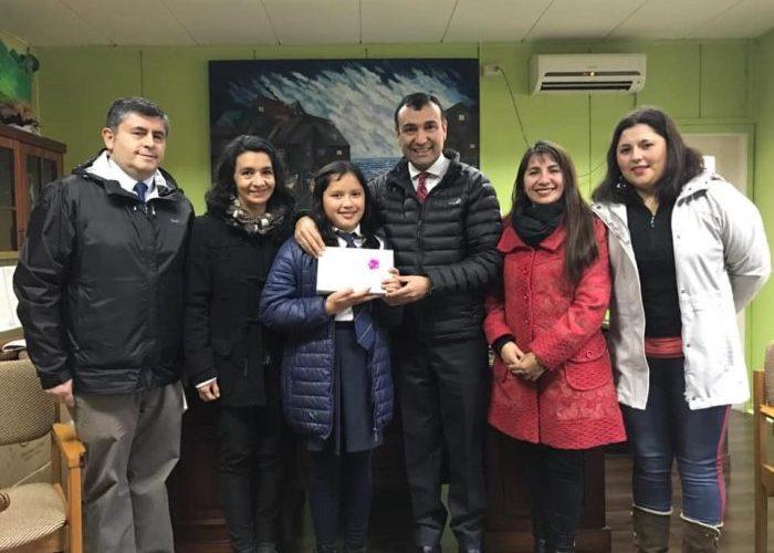 Castro:  destacan logro de alumna castreña seleccionada en concurso nacional de lectura.