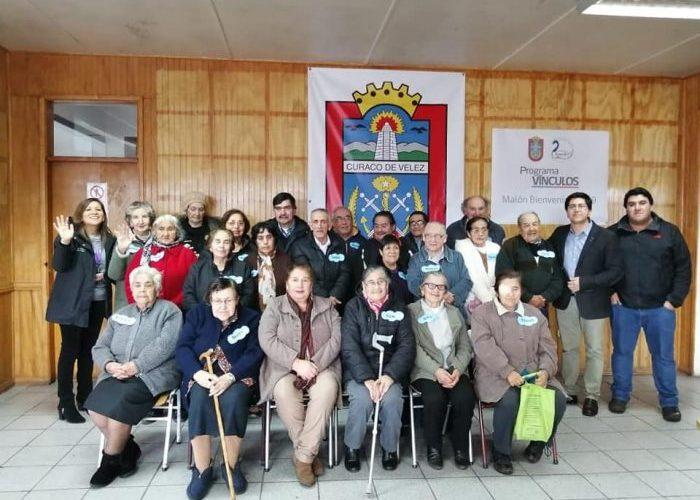 Curaco de Vélez: Municipio ejecuta programa de apoyo al adulto mayor.