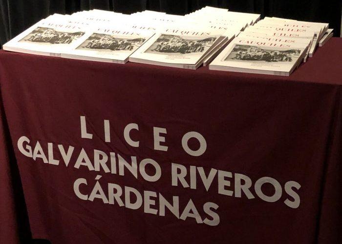 Castro: lanzan libro de fotografías que retrata la historia de emblemático liceo.