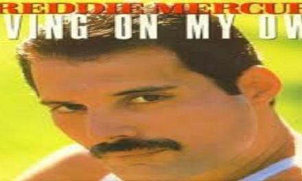 """Ottobre 1993: il brano """"Living on my own"""" di Freddie Mercury #1 delle hitchart."""