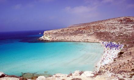 La Spiaggia dei Conigli di Lampedusa è stata ancora eletta la più bella d'Italia