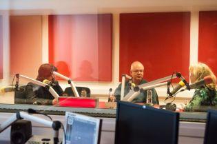 MARK STRINGER SI GABRIEL BEBESELEA LA RADIO IASI - 02 04 2015_03