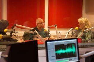 MARK STRINGER SI GABRIEL BEBESELEA LA RADIO IASI - 02 04 2015_04