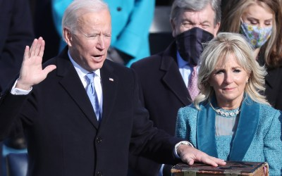 Joe Biden Sworn in as 46th President of the US, Calling on Americans to Overcome Divisions