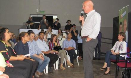 Antonio Bonfatti acompañó a los candidatos locales en el acto del Frente Progresista