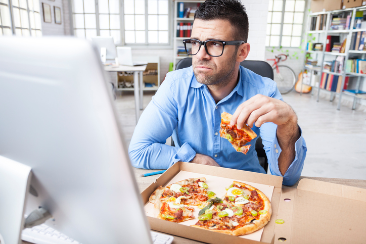 Mangiare soli non fa bene