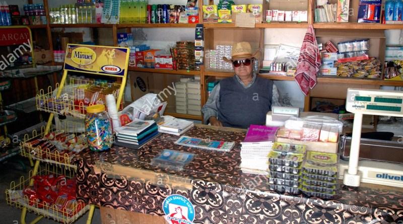 negozio di paese acquavite amuchina