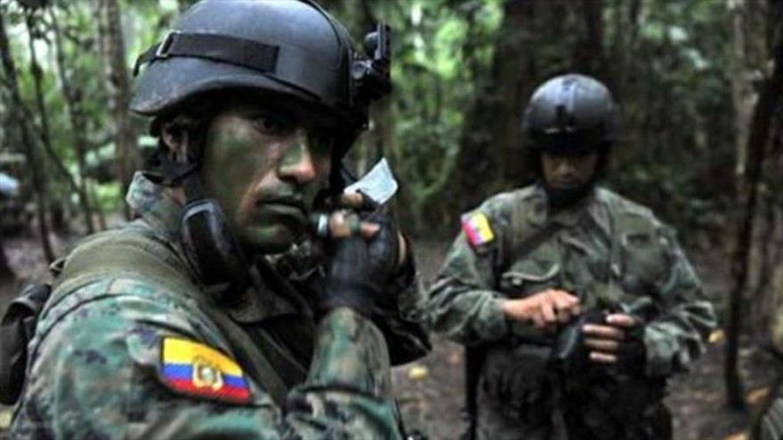 Ecuador detiene a 43 desertores de FARC por muerte de periodistas - Soldados-del-Ejército-de-Ecuador.