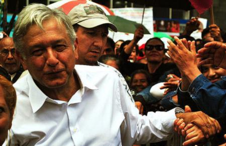 ¿Quién es López Obrador, el candidato progresista que lidera las encuestas en México? - lopezobradormexico1