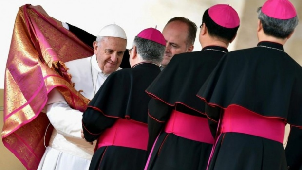 El santo cartel de los curas pedófilos. Vaticano Connection - Papa-Francisco