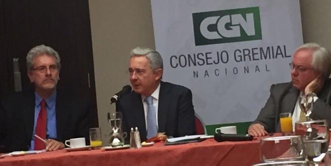 La Reconfiguración del fascismo colombiano - Uribe-en-el-consejo-gremial-nacional-1