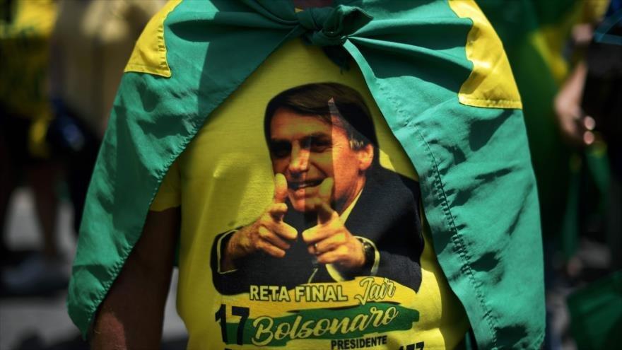 Facebook cierra cuentas afines a Bolsonaro por difundir 'fake news' - 05092656_xl