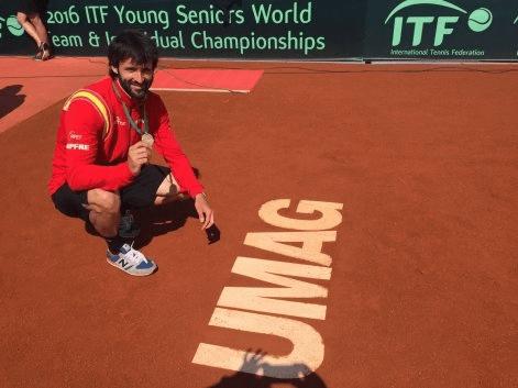 El campeón del mundo de veteranos Roberto Menéndez entra en PISTA 8