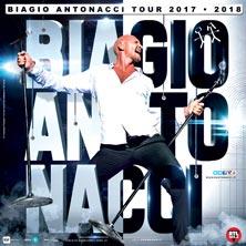 Biagio Antonacci in concerto in sicilia al Pal'Art Hotel