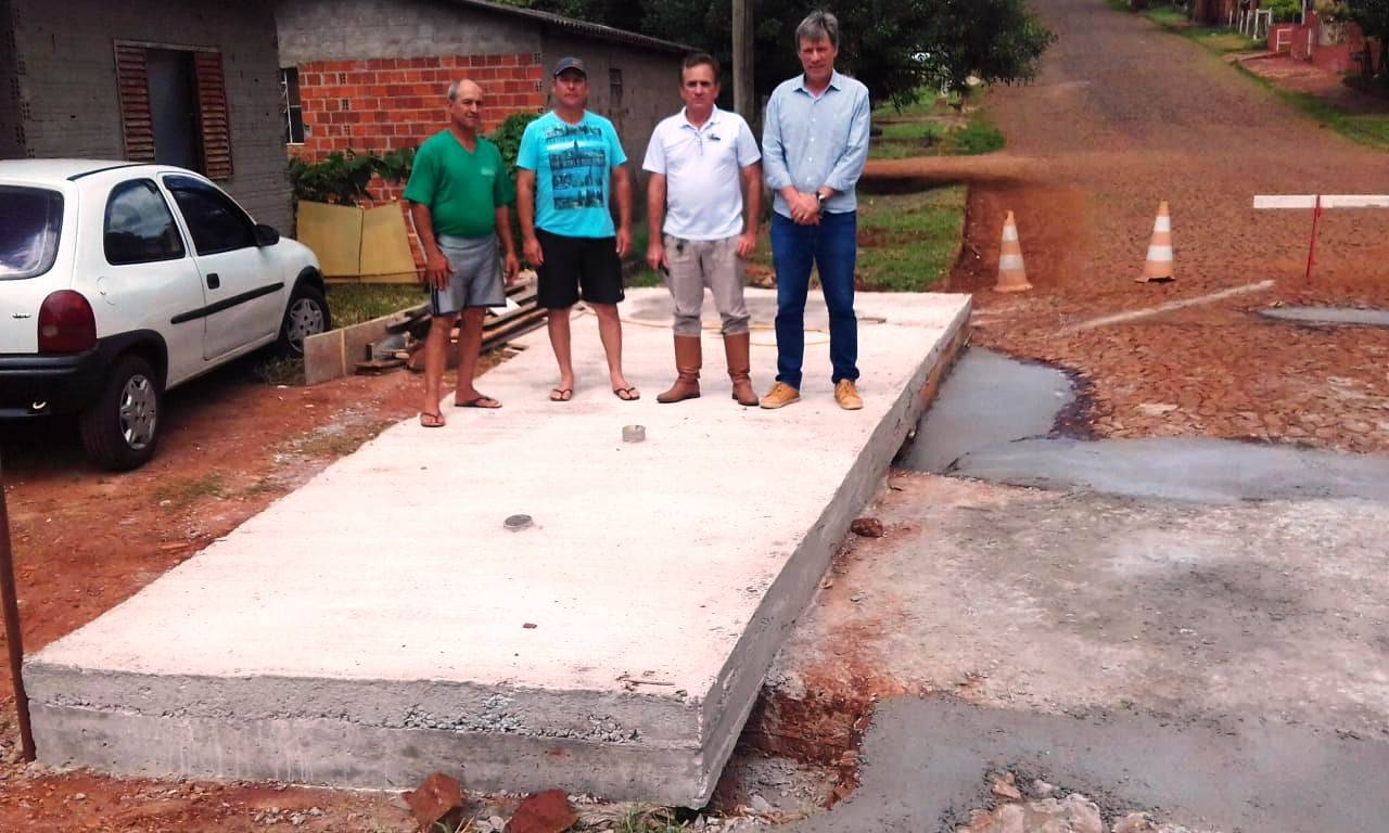 Com parcerias, pontilhão do bairro Paz foi consertado