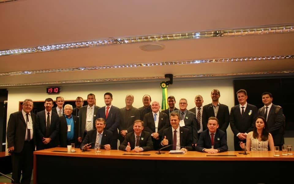 Comitiva da AMM está em Brasília para viabilizar licitação da ponte em Porto Xavier dentro do prazo
