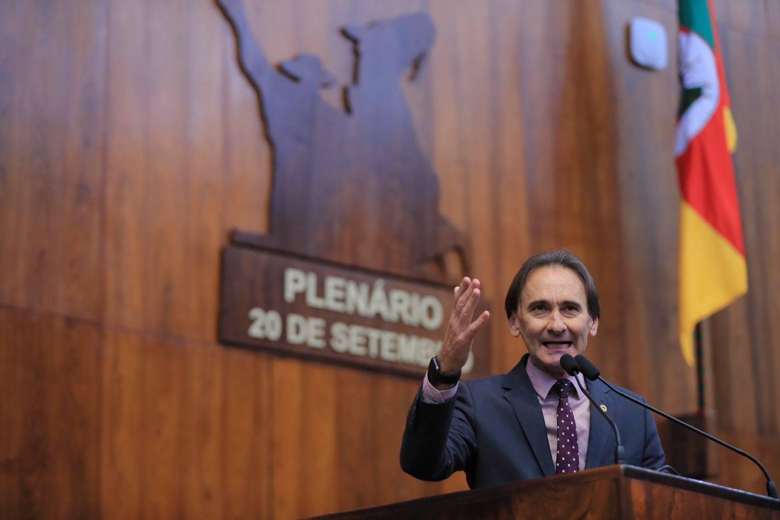 Deputado Juvir Costella destaca importância de governo Bolsonaro ter ministro gaúcho