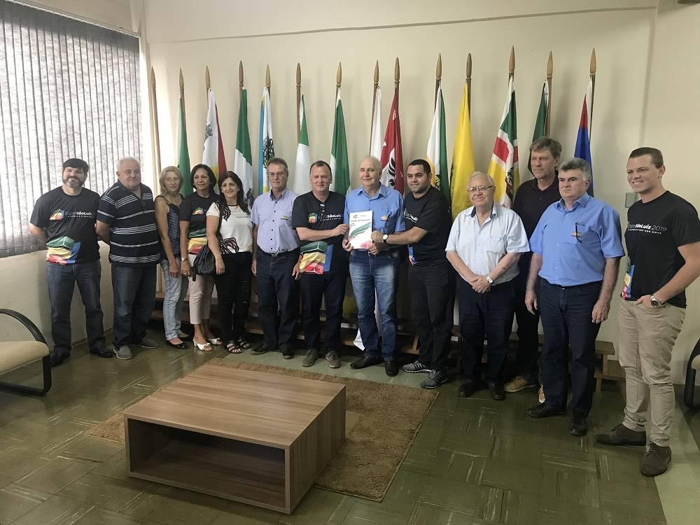Comissão da Expo São Luiz entrega proposta de renovação da parceria com a Coopatrigo