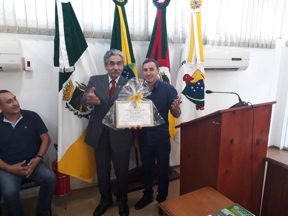 Olívio Dutra recebeu título de cidadão bossoroquense