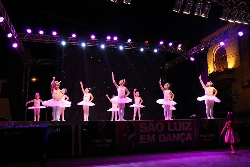Natal Luz teve apresentações artísticas no final de semana em São Luiz Gonzaga