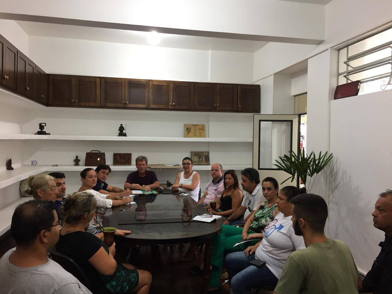 Novo presidente: Piti Werle realiza primeira reunião com vereadores e funcionários