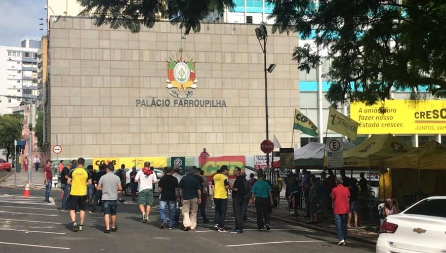 Oposição pede mobilização popular contra medidas enviadas pelo Governador à Assembleia