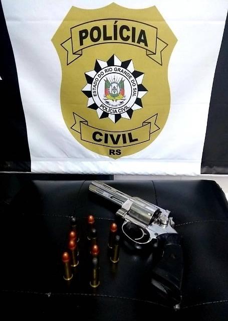 Polícia Civil prende homem por receptação e posse irregular de arma
