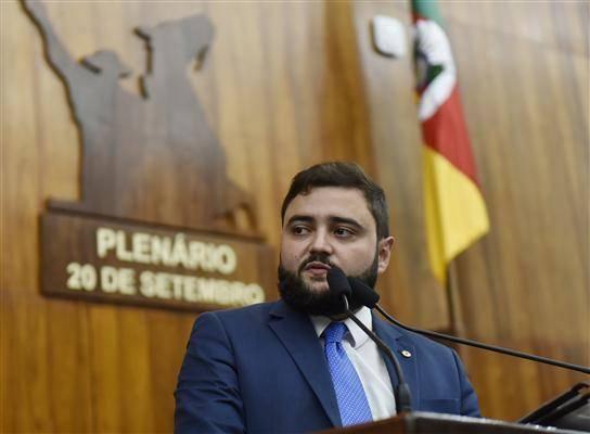 Deputado Gabriel Souza (MDB) é o novo presidente da Assembleia Legislativa